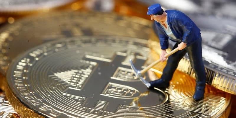 Bitcoin-mining-2
